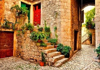 Entryway, Tuscany, Italy